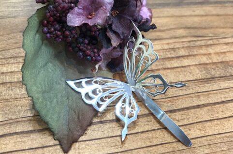 アゲハ蝶のポニーフック